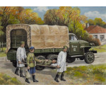 ICM - Studebaker US6 with Soviet Medical Personnel